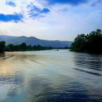 Kampot - Sunset on the river