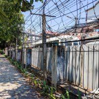 The fences around S21