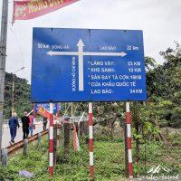 Road signboard at Dakrong Bridge