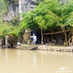 Daily river activities in Tam Coc