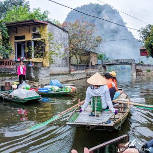 Floating market on Tam Coc river