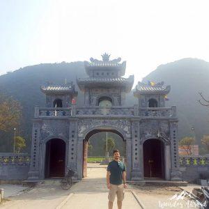 Pagoda entrance in Tam Coc