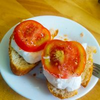 Mozzarella, bread and tomato... after!
