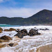 Praia do Meio: impressive waves!