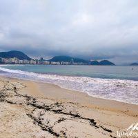 Cloudy day, nice beach!