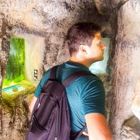 Parque Lage: you can find a cave with aquariums inside!